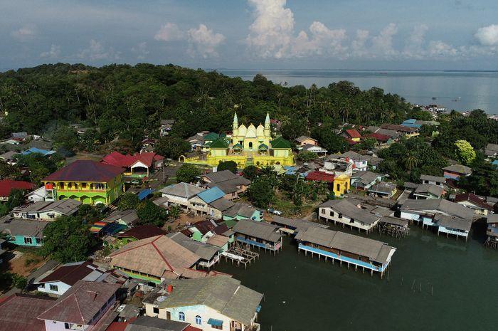 Pulau Penyengat, Persembahan Mas Kawin untuk Engku Putri dari Sultan