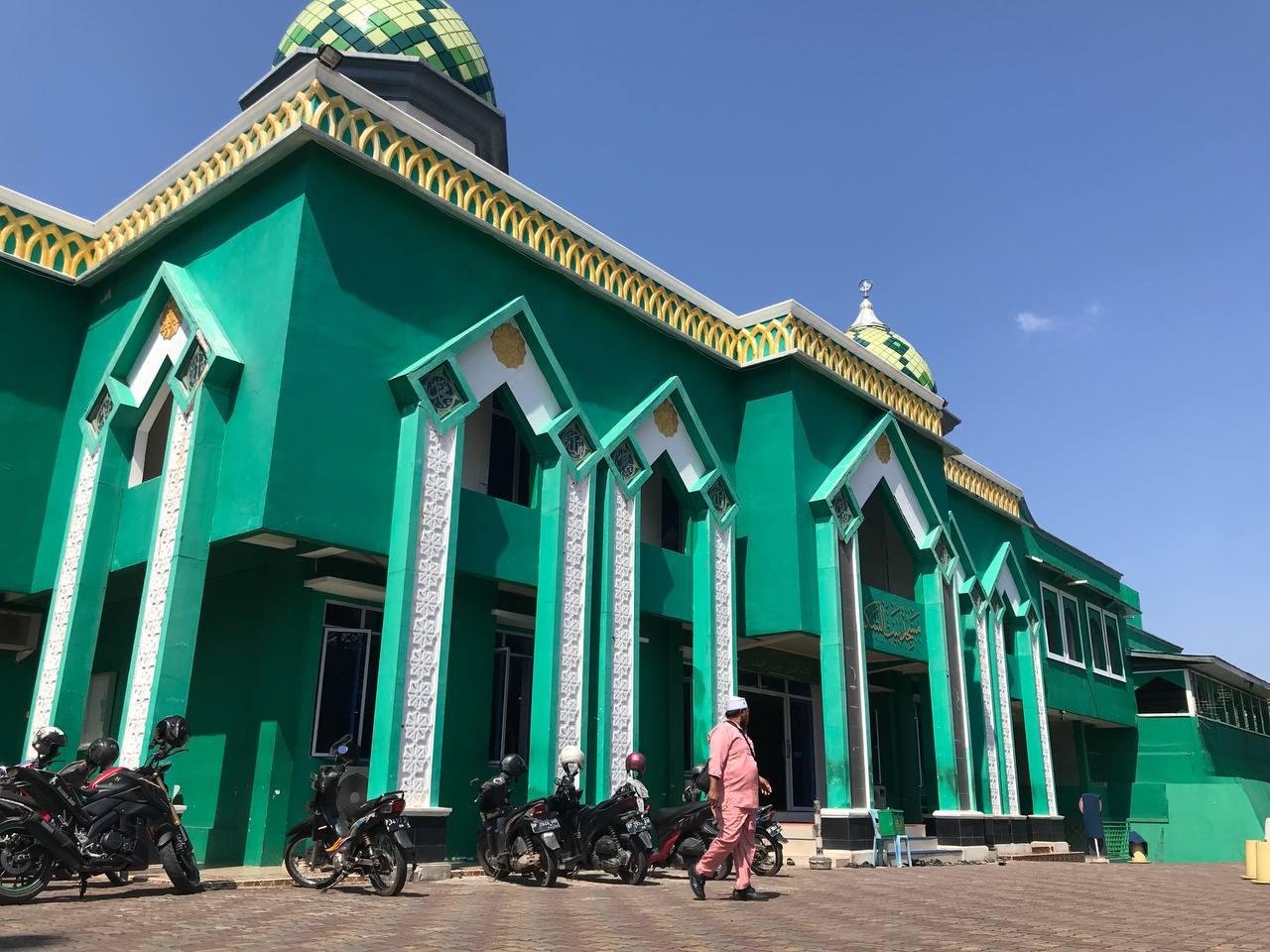 The Power of Emak-Emak, Hajar Pelaku Penyerangan Ustadz di Masjid Batam