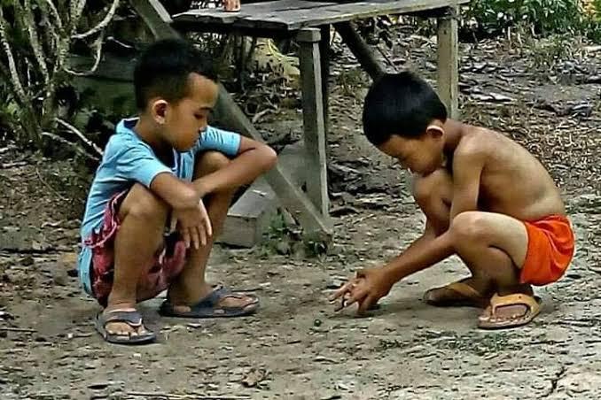 Main Goli Beraje atau Berundung, Sama-Sama Serunya Lho..