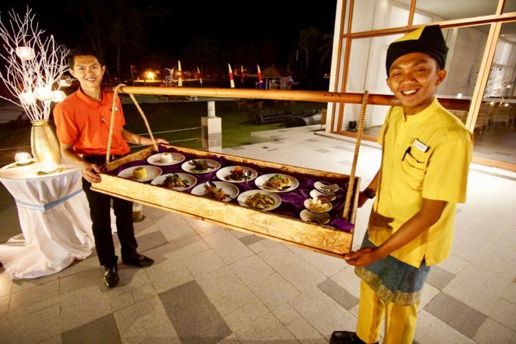 Rijstaffel ala Hindia Belanda Ada di Bintan Lagoon Resort