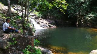 Air Terjun Neraja Anambas, Bermuara di 2 Kolam Alam nan Indah